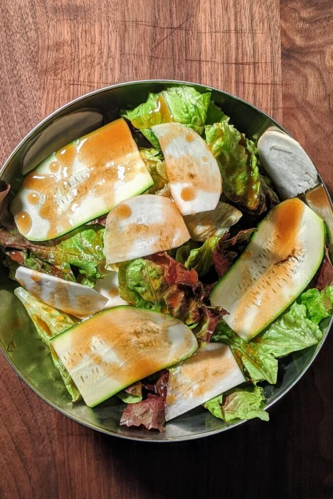 SaladwithBalsamicVinaigretteDressing