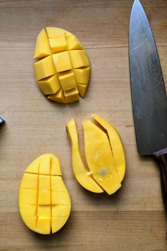 How to Cut a Mango_Step 3